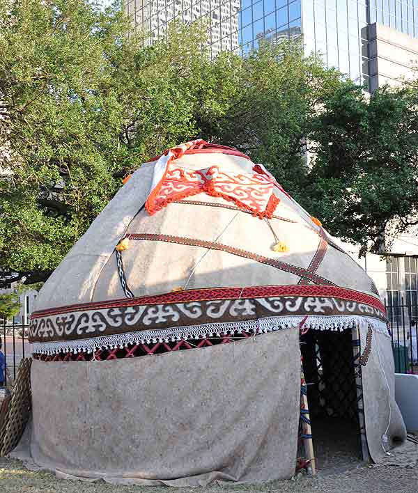 "<div class=""meta ""><span class=""caption-text "">Houston's International Festival spotlighting the Silk Road: Journey Across Asia was held in downtown Houston April 30-May 1 and May 7-8, 2011. (KTRK Photo)</span></div>"