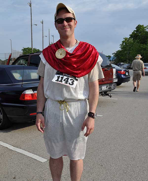 The 2011 Clear Lake Greek Festival returned for the 18th year with their first ever Toga Fun Run.  Participants grabbed their sneakers and sunblock, and dusted off their college togas, or invented an all new one! <span class=meta>(KTRK Photo)</span>