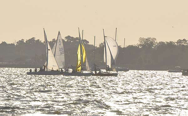 "<div class=""meta image-caption""><div class=""origin-logo origin-image ""><span></span></div><span class=""caption-text"">Every Wednesday evening, professional and amateur sailors get together for sailboat races on the waters of Clear Lake (KTRK Photo)</span></div>"