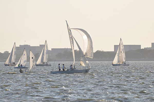 "<div class=""meta ""><span class=""caption-text "">Every Wednesday evening, professional and amateur sailors get together for sailboat races on the waters of Clear Lake (KTRK Photo)</span></div>"