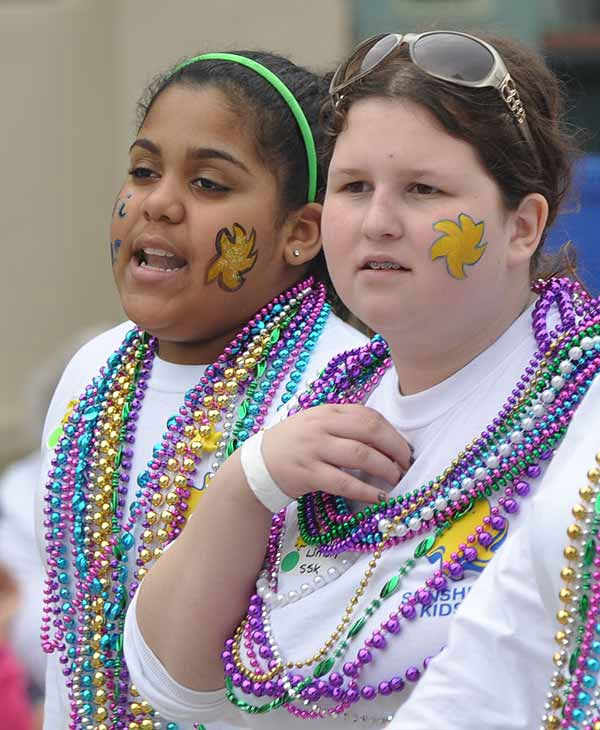 "<div class=""meta ""><span class=""caption-text "">Crowds came out for beads and fun as the Sunshine Kids parade rolled down the Strand on Sunday, February 27, 2011, during Mardi Gras! Galveston.  Events continue leading up to Fat Tuesday on March 8. (KTRK Photo/ Gina Larson)</span></div>"
