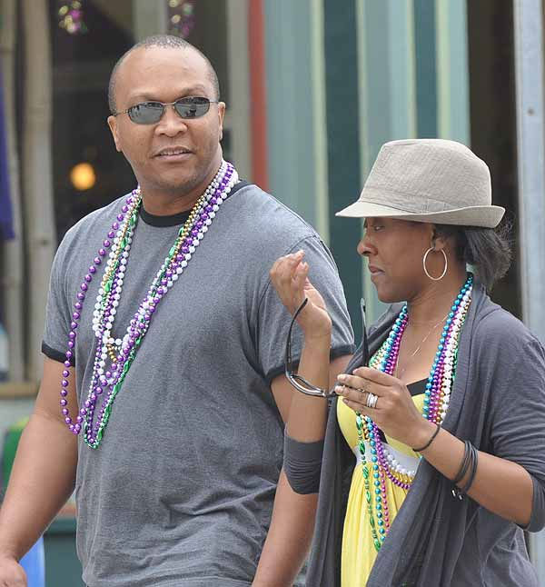 "<div class=""meta image-caption""><div class=""origin-logo origin-image ""><span></span></div><span class=""caption-text"">Crowds came out for beads and fun as the Sunshine Kids parade rolled down the Strand on Sunday, February 27, 2011, during Mardi Gras! Galveston.  Events continue leading up to Fat Tuesday on March 8. (KTRK Photo/ Gina Larson)</span></div>"