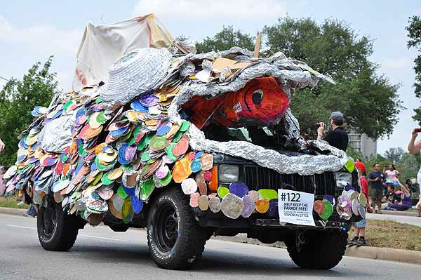 "<div class=""meta image-caption""><div class=""origin-logo origin-image ""><span></span></div><span class=""caption-text"">Cars, bikes and vehicles that defy description took to the streets of Houston for the 2011 Art Car Parade on Sunday, May 22!  The Art Car Weekend is the Orange Show's biggest outreach program, a vehicle for the message that art is an integral part of everyone's everyday life. The weekend's events are part folk art, part fine art, part wholly artistic expression of every kind. (KTRK Photo)</span></div>"