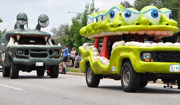 "<div class=""meta ""><span class=""caption-text "">Cars, bikes and vehicles that defy description took to the streets of Houston for the 2011 Art Car Parade on Sunday, May 22!  The Art Car Weekend is the Orange Show's biggest outreach program, a vehicle for the message that art is an integral part of everyone's everyday life. The weekend's events are part folk art, part fine art, part wholly artistic expression of every kind. (KTRK Photo)</span></div>"
