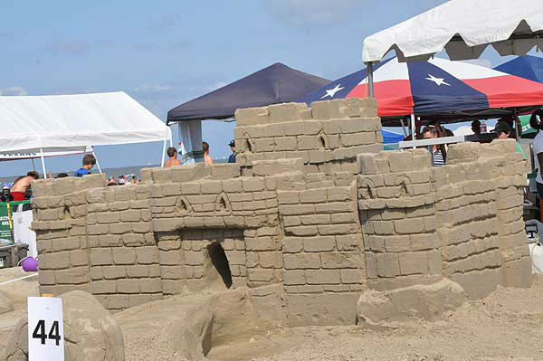 "<div class=""meta image-caption""><div class=""origin-logo origin-image ""><span></span></div><span class=""caption-text"">On Saturday, June 2, 2012, contestants were having fun in the sand!  The public is invited to see how piles of sand magically transform into imaginative sculptures.  For more than two decades on the first Saturday of June, teams of architects, designers, and engineers have taken their tools to East Beach in Galveston for what is considered one of the world?s largest sand castle competitions. The Houston Chapter of the American Institute of Architects (AIA) has been organizing this competition every year since 1986. More than 60 teams had their eyes and shovels set on winning the prestigious Gold Bucket Award. (KTRK Photo)</span></div>"
