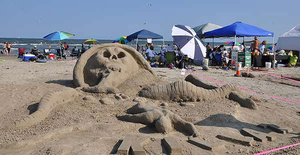 One of the world&#39;s largest amateur sandcastle competitions was held June 4, 2011 on Galveston&#39;s East Beach, for the 25th annual event, as teams competed for various prizes, including the coveted Golden Bucket Trophy. <span class=meta>(KTRK Photo)</span>