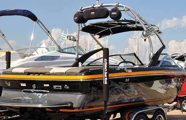 "<div class=""meta image-caption""><div class=""origin-logo origin-image ""><span></span></div><span class=""caption-text"">The Southwest International In-Water Boat Show was held Sept. 23-26, 2010 at South Shore Harbour Marina, with Bay boats, sailboats, powerboats, luxury yachts and more than 300 boats in the water.  This year?s show also featured the Houston Wakeboard Shoot-Out, with the world?s best competing for Texas bragging rights. (KTRK Photo/ KTRK)</span></div>"