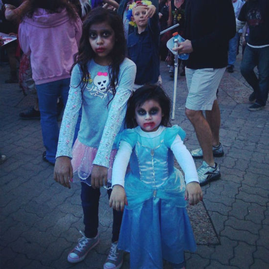 This is a viewer photo from yesterday&#39;s Zombie Walk in downtown Houston.  Were you there?  If so, send your pics to us at news@abc13.com! <span class=meta>(Photo&#47;iWitness Reports)</span>
