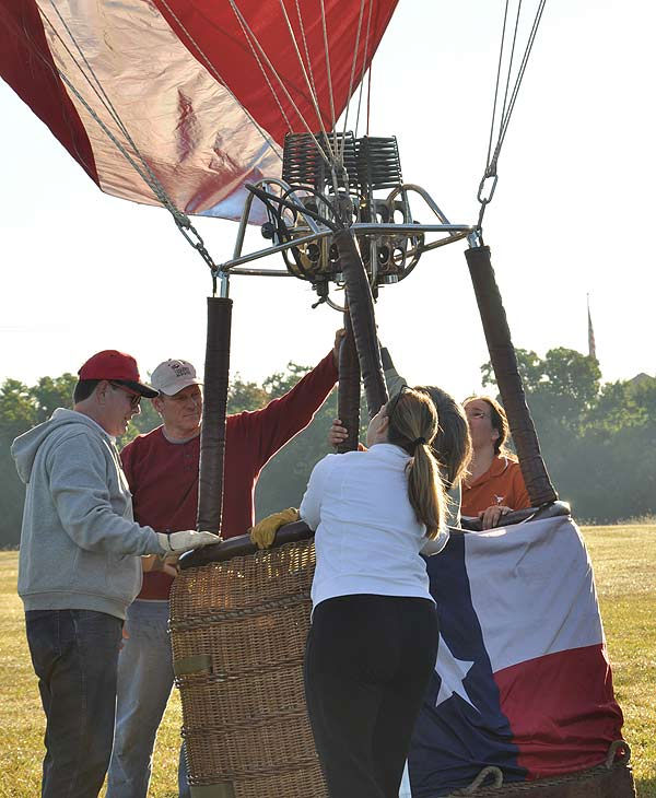 "<div class=""meta ""><span class=""caption-text "">The RE/MAX Ballunar Liftoff Festival filled the skies above Clear Lake with color and wonder during the 17th annual tribute to mankind?s fascination with flight. The seasonal event was held October 29-31, 2010.   The weekend celebration featured approximately 50 giant hot air balloons piloted by the world?s most skilled aerial navigators, joining in the early morning balloon navigational competition as well as the evening balloon glow to light up the night. (KTRK Photo)</span></div>"