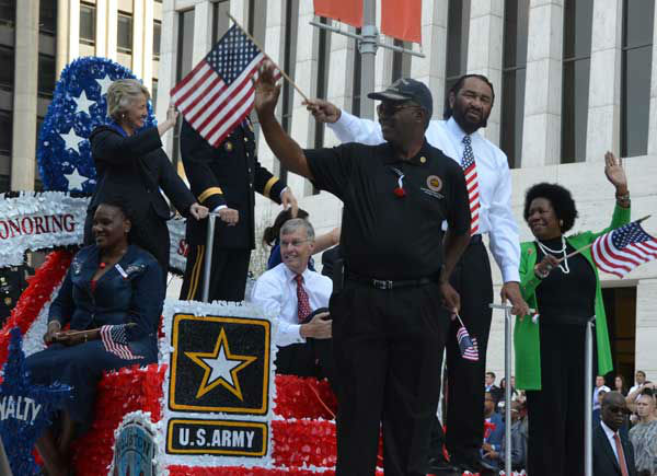 "<div class=""meta ""><span class=""caption-text "">These are photos from the annual Houston Salutes American Heroes' Veterans Day celebration downtown, Monday, November 11, 2013.   Were you there?  If so, we'd love to see your photos, too.  Email them to us at news@abc13.com.  And allow us to say a great big thanks to all of our veterans! (Blanca Beltran/ABC13)</span></div>"