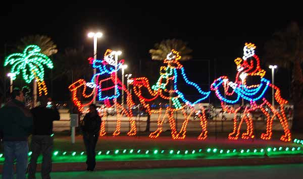 The Festival of Lights at Galveston&#39;s Moody Gardens has become a holiday tradition for many. Visitors can enjoy over 100 sound-enhanced animated light displays and nightly live entertainment, and glide across the ice at the outdoor ice skating rink.  The display is open 6-10pm on weekends November 19 - December 12, 2010, and nightly from December 16, 2010 - January 1, 2011. <span class=meta>(KTRK Photo)</span>