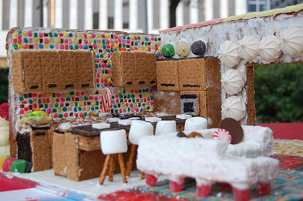 Teams from architecture firms, design professionals, students and enthusiasts brought out their creativity to the 5th Annual Gingerbread Build-Off at City Hall&#39;s Hermann Square on Saturday December 14, 2013. More than 30 competing teams created their masterpieces using 100 percent edible materials.  <span class=meta>(KTRK Photo)</span>