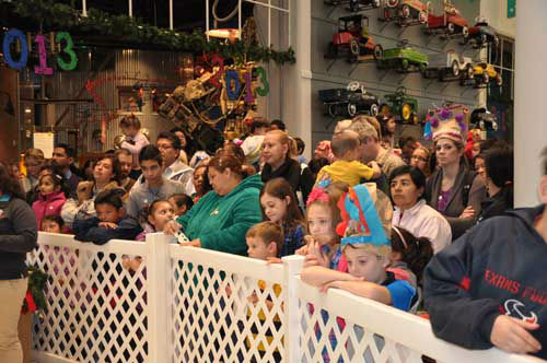 "<div class=""meta image-caption""><div class=""origin-logo origin-image ""><span></span></div><span class=""caption-text"">At the Children's Museum of Houston, kids counted down and watched the 2013 ball drop -- at noon! (KTRK Photo)</span></div>"