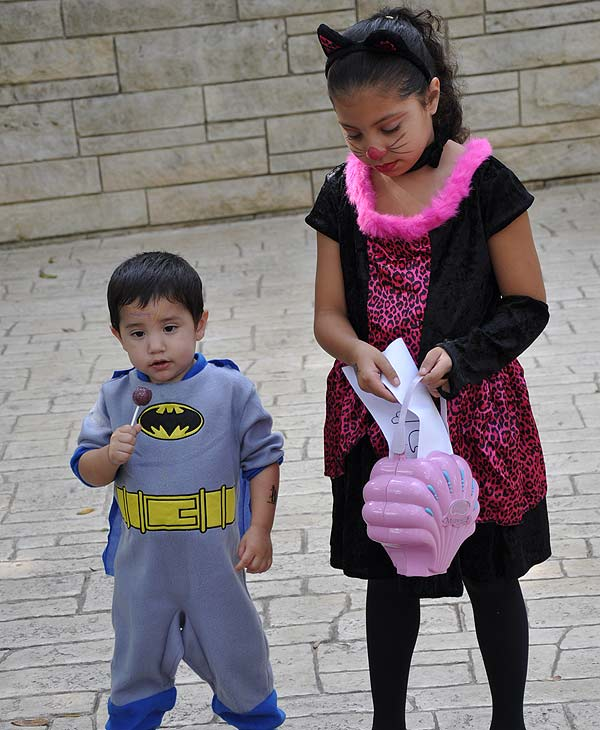 Image of the Halloween festivities at the Houston Zoo Boo 2010. <span class=meta>(ABC13)</span>