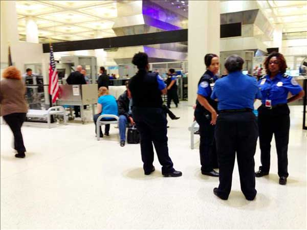 A viewer snapped this photo from inside terminal B during Thursday&#39;s lockdown <span class=meta>(iWitness reports)</span>