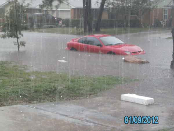 "<div class=""meta ""><span class=""caption-text "">These photos were sent to us through our iWitness Reports.  Send your photos or videos to news@abc13.com or upload them here (Photo/iWitness Reports)</span></div>"