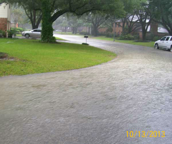 These are photos you&#39;ve been sending us of Sunday&#39;s flooding in Sealy.  If you have photos or videos to send, email them to us at news@abc13.com. More photos are at iWitness.abc13.com <span class=meta>(Photo&#47;iWitness reports)</span>