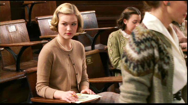 "<div class=""meta image-caption""><div class=""origin-logo origin-image ""><span></span></div><span class=""caption-text"">Julia Stiles turns 31 on March 28, 2012.  The actress is known for films such as '10 Things I Hate About You,' 'Save the Last Dance' and 'Mona Lisa Smile.'  She also guest starred in the Showtime series 'Dexter' during the show's fifth season.  (Pictured: Julia Stiles is pictured in a scene from 'Mona Lisa Smile.') (Revolution Studios)</span></div>"