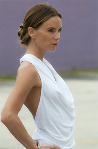 Gabrielle Anwar in a scene from 'Burn Notice.'