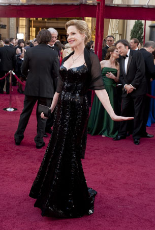 "<div class=""meta ""><span class=""caption-text "">Melanie Griffith arrives at the 82nd Annual Academy Awards at the Kodak Theatre in Hollywood, CA, on Sunday, March 7, 2010. (Matt Petit / ©A.M.P.A.S.)</span></div>"