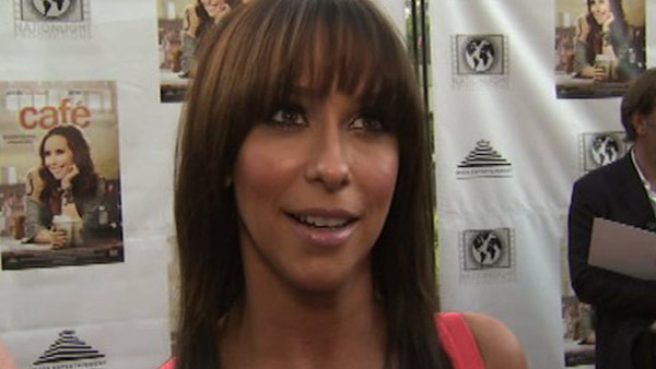 Jennifer Love Hewitt speaks to...