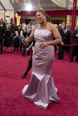 Academy Award presenter, Queen Latifah, arrives at the 82nd Annual Academy Awards at the Kodak Theatre in Hollywood, CA, on Sunday, March 7, 2010 in a Badgley Mischka Couture gown.  <span class=meta>(Michael Yada &#47; &copy;A.M.P.A.S.)</span>