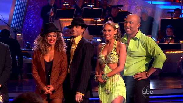 "<div class=""meta image-caption""><div class=""origin-logo origin-image ""><span></span></div><span class=""caption-text"">Hines Ward and his partner Kym Johnson won the first round of the Instant Cha Cha, beating Ralph Macchio and his partner Karina Smirnoff. Ward and Johnson then went up against the second round winners, Chelsea Kane and her partner Mark Ballas, who beat out Ralph Macchio and his partner Karina Smirnoff. Kane and Ballas eventually earned an extra 15 points for winning the Instant Cha Cha round.  (ABC Photo)</span></div>"