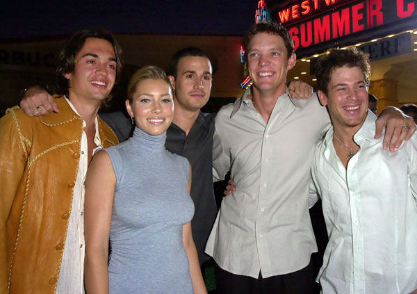 The cast of 'Summer Catch,' from left, Corey Pearson, Jessica Biel, Freddie Prinze Jr., Matthew Lillard and Christian Kane get together for a cast photo during the premiere of the film Wednesday, Aug. 22, 2001, in Los Angeles.