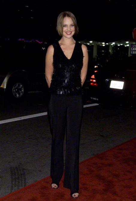 Katherine Heigl appears at the premiere of &#39;The Shipping News&#39; in Los Angeles on Dec. 9, 2001. <span class=meta>(Tommy Lau &#47; Startraksphoto.com)</span>