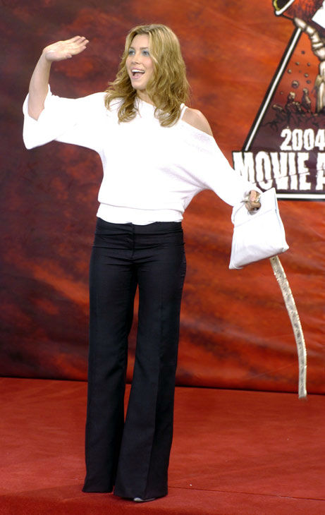Jessica Biel arrives at the 2004 MTV Movie...