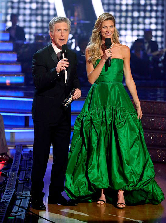 Tom Bergeron and Erin Andrews appear during the season 18 finale of &#39;Dancing With the Stars&#39; on May 20, 2014. <span class=meta>(ABC Photo)</span>