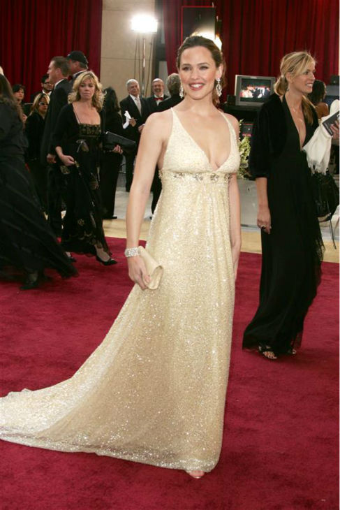 Jennifer Garner appears at the 2006 Oscars in Hollywood, California on March 5, 2006. <span class=meta>(Jen Lowery &#47; Startraksphoto.com)</span>
