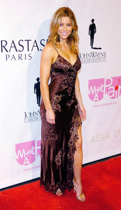 "<div class=""meta ""><span class=""caption-text "">Actress Jessica Biel poses for photographers following the 'What a Pair! 4' concert at the Wiltern/LG Theater in Los Angeles, Sunday, June 11, 2006. The fourth annual concert featured pairs of celebrity women performing Broadway songs, with proceeds to benefit breast cancer research. (AP Photo/CHRIS PIZZELLO)</span></div>"