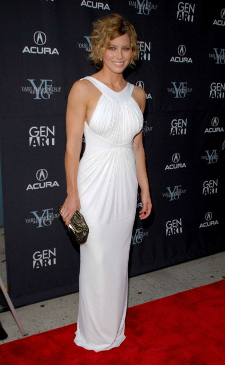"<div class=""meta ""><span class=""caption-text "">Actress Jessica Biel attends the New York premiere of 'The Illusionist,' Tuesday, Aug. 15, 2006. (AP Photo/PAUL HAWTHORNE)</span></div>"