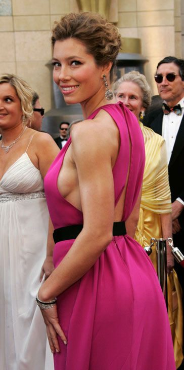 "<div class=""meta ""><span class=""caption-text "">Actress Jessica Biel arrives for the 79th Academy Awards Sunday, Feb. 25, 2007, in Los Angeles.  (AP Photo/Reed Saxon)</span></div>"