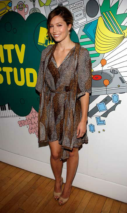 Actress Jessica Biel poses backstage during MTV&#39;s &#39;Total Request Live&#39; at the MTV Times Square Studios Monday, July 16, 2007 in New York.  <span class=meta>(AP Photo&#47;Jason DeCrow)</span>