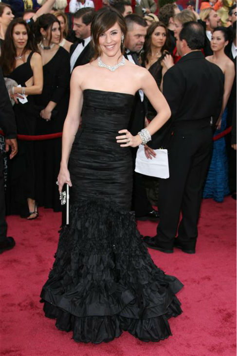 Jennifer Garner appears at the 2008 Oscars in Hollywood, California on Feb. 24, 2008. <span class=meta>(Jen Lowery &#47; Startraksphoto.com)</span>