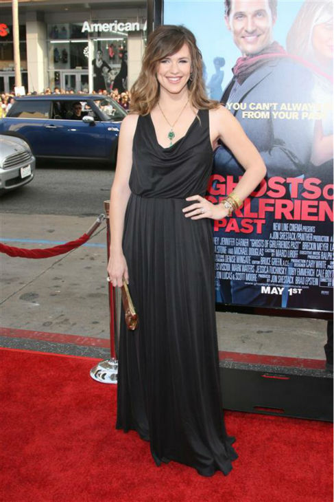 Jennifer Garner appears at the premiere of &#39;Ghosts of Girlfriends Past&#39; in Hollywood, California on April 27, 2009. <span class=meta>(Jen Lowery &#47; Startraksphoto.com)</span>