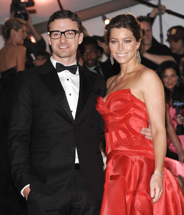Singer Justin Timberlake and girlfriend Jessica Biel arrive at the Metropolitan Museum of Art's Costume Institute Gala benefit celebrating 'The Model as Muse: Embodying Fashion' on Monday, May 4, 2009 in New York.