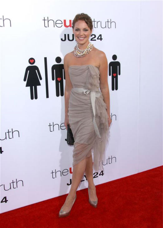 Katherine Heigl appears at the premiere of her movie &#39;The Ugly Truth&#39; in Los Angeles on July 16, 2008. <span class=meta>(Jen Lowery &#47; Startraksphoto.com)</span>