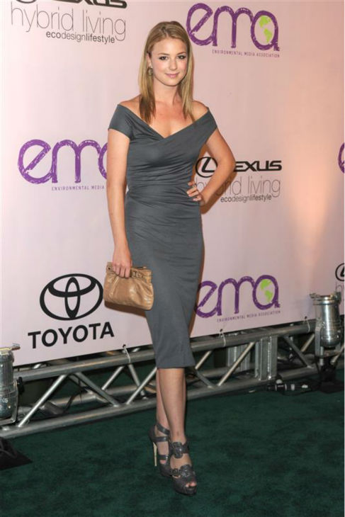 Emily VanCamp appears at the 2009 Environmental Media Awards at Paramount Studios in Hollywood, California on Oct. 25, 2009.  <span class=meta>(Sara De Boer &#47; Startraksphoto.com)</span>