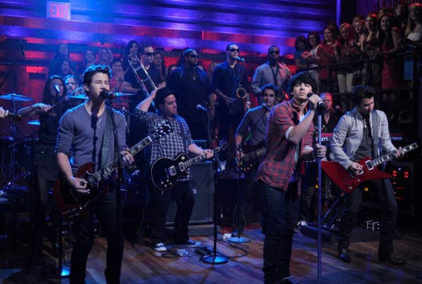 Jonas Brothers appear on a July 16, 2009 episode...