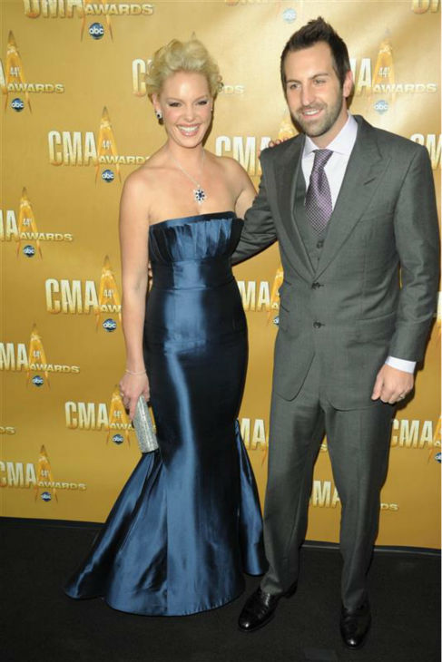 Katherine Heigl and husband Josh Kelley appear at the 2010 CMA Awards in Nashville on Nov. 10, 2010. <span class=meta>(Bill Davila &#47; Startraksphoto.com)</span>