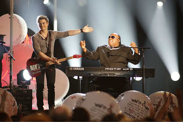 Hunter Hayes and Stevie Wonder perform during the 48th annual Academy of Country Music &#40;ACM&#41; Awards. The ceremony was co-hosted by Luke Bryan and Blake Shelton and was broadcast live from the MGM Grand Garden Arena in Las Vegas on CBS on Sunday, April 7, 2013. <span class=meta>(Adrian Sanchez-Gonzalez &#47; CBS)</span>