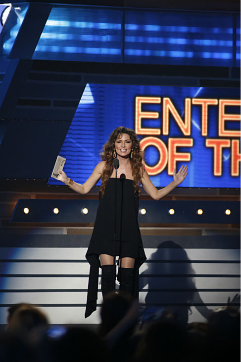 Shania Twain presents at the 48th annual Academy of Country Music &#40;ACM&#41; Awards. The ceremony was co-hosted by Luke Bryan and Blake Shelton and was broadcast live from the MGM Grand Garden Arena in Las Vegas on CBS on Sunday, April 7, 2013. <span class=meta>(Adrian Sanchez-Gonzalez &#47; CBS)</span>