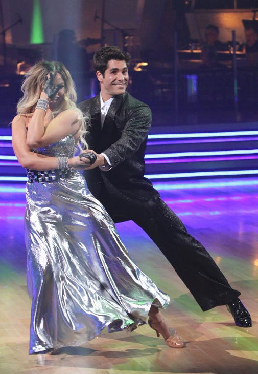 Mike Catherwood and his partner Lacey Schwimmer received 13 out of 30 from the judges for their Cha cha on the season premiere of &#39;Dancing With The Stars.&#39; <span class=meta>(ABC Photo&#47; Adam Larkey)</span>