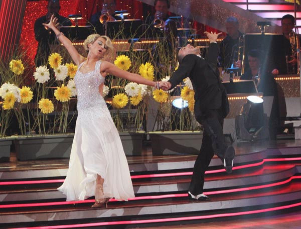 Chelsea Kane and her partner Mark Ballas received 21 out of 30 from the judges for their Foxtrot on the season premiere of 'Dancing With The Stars.'