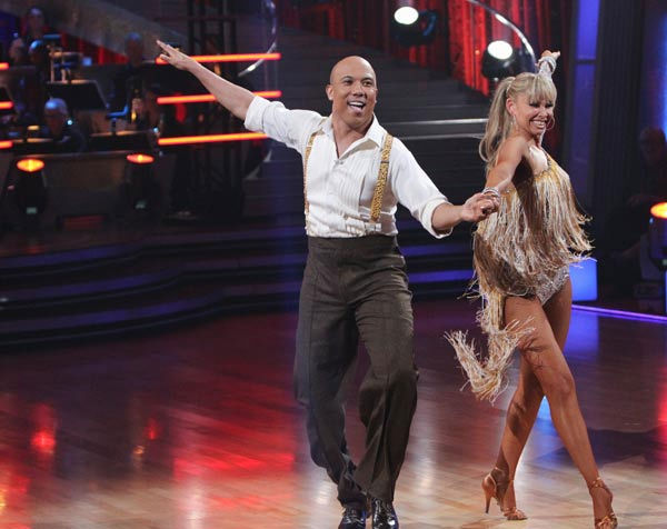"<div class=""meta ""><span class=""caption-text "">Hines Ward and his partner Kym Johnson received 21 out of 30 from the judges for their Cha cha on the season premiere of 'Dancing With The Stars.' (ABC Photo/ Adam Larkey)</span></div>"