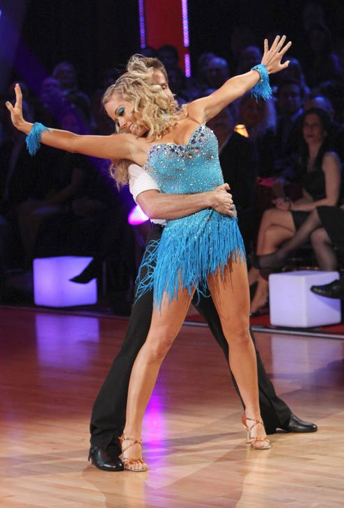 Kendra Wilkinson and her partner Louis van Amstel received 18 out of 30 from the judges for their