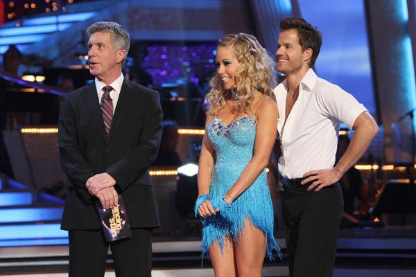 Kendra Wilkinson and her partner Louis van Amstel received 18 out of 30 from the judges for their Cha cha on the season premiere of &#39;Dancing With The Stars.&#39; <span class=meta>(ABC Photo&#47; Adam Larkey)</span>